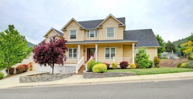 303 Woodville Way, Rogue River, OR 97537 (#2982658) :: Rocket Home Finder