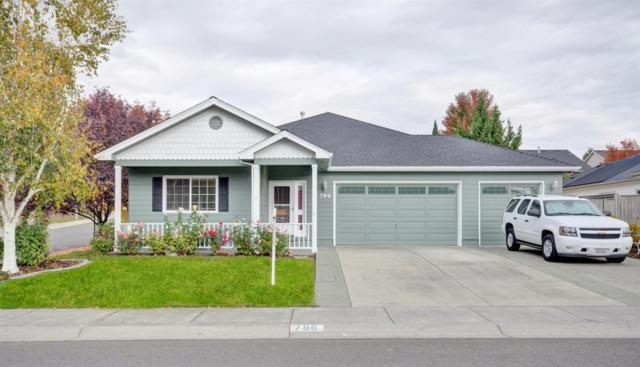 796 Meadowbrook Drive, Central Point, OR 97502 (#2982877) :: Rocket Home Finder