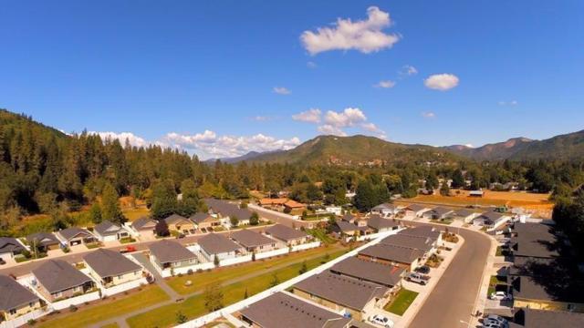 249 Westbrook Drive, Rogue River, OR 97537 (#2982885) :: Rocket Home Finder