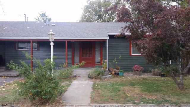824 NE 10th Street, Grants Pass, OR 97526 (#2982988) :: Rocket Home Finder