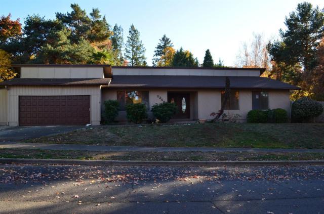 2348 Brentwood Street, Medford, OR 97504 (#2983162) :: Rocket Home Finder