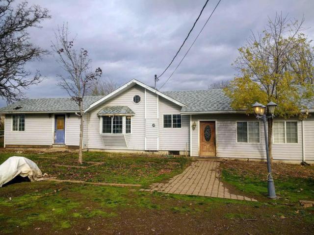 4446 Dodge Road, Central Point, OR 97503 (#2983692) :: Patie Millen Group - John L. Scott Real Estate