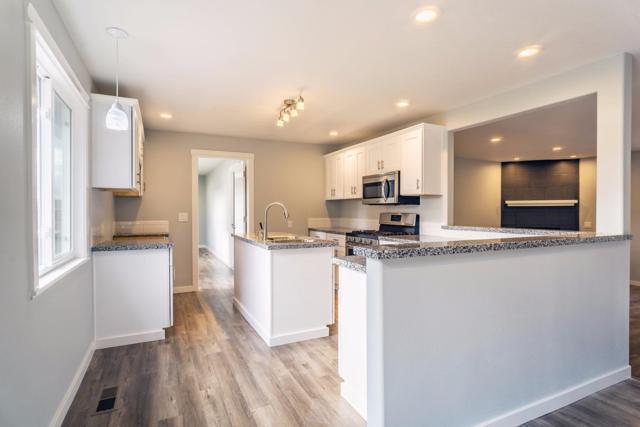 3838 Cherry Lane, Medford, OR 97504 (#2983779) :: Patie Millen Group - John L. Scott Real Estate