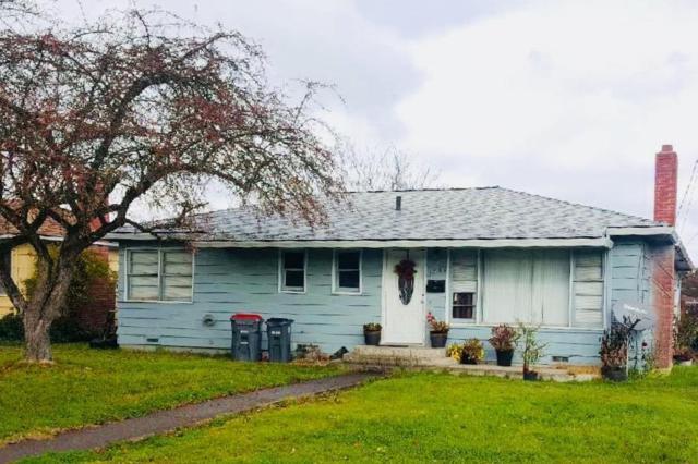 1300 Mt Pitt Avenue, Medford, OR 97501 (#2984068) :: Rocket Home Finder