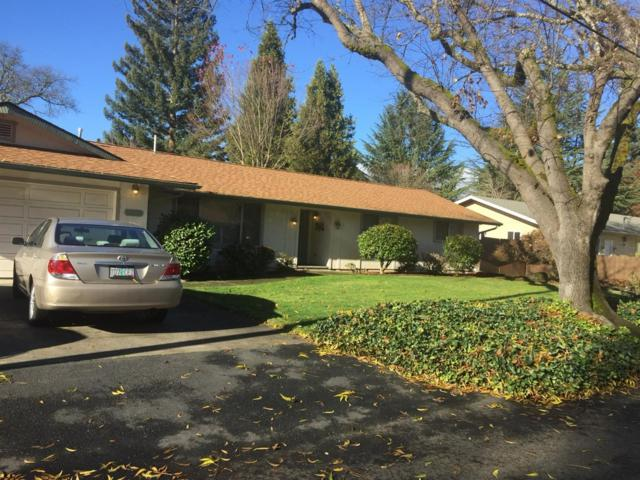 1310 SE Rogue Drive, Grants Pass, OR 97526 (#2984160) :: Rocket Home Finder