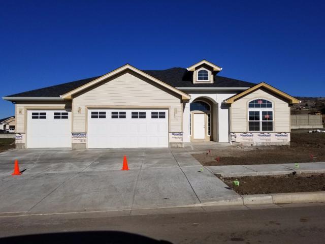 4047 Shamrock Drive, Medford, OR 97504 (#2984161) :: Rocket Home Finder