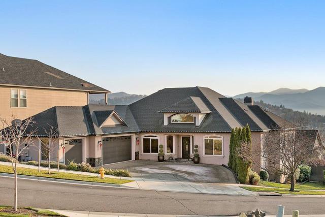 526 Whitney Terrace, Medford, OR 97504 (#2984225) :: Rocket Home Finder