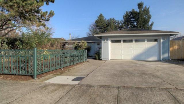 3100 Blackthorn Drive, Medford, OR 97504 (#2984230) :: Rocket Home Finder