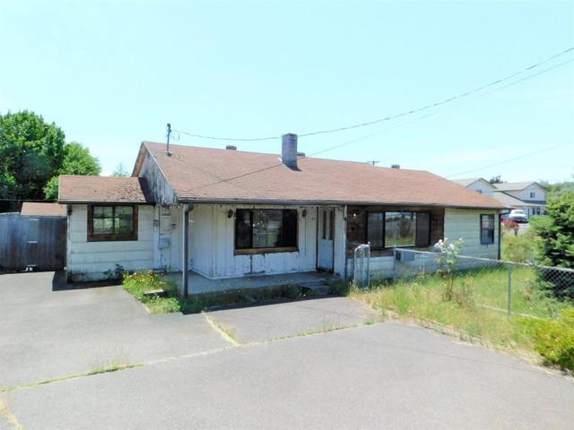 611 E Linn Road, Eagle Point, OR 97524 (#2984728) :: Rocket Home Finder