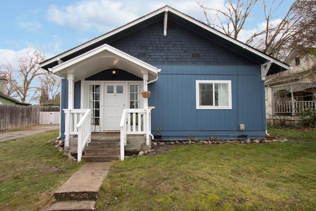 1105 W 4th Street, Medford, OR 97501 (#2984900) :: Rocket Home Finder