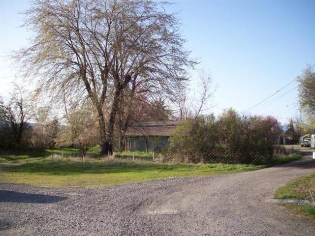 142 W Glenwood, Medford, OR 97501 (#2985142) :: Rocket Home Finder