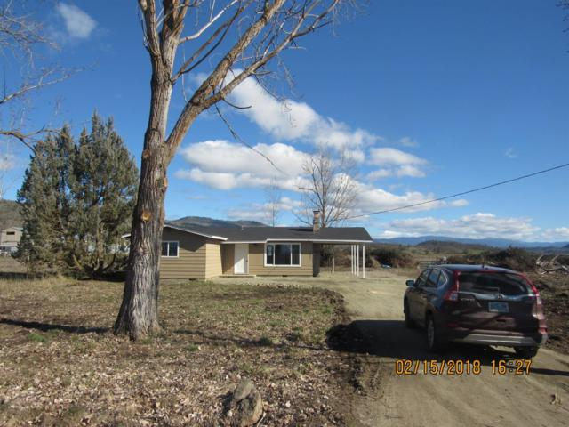 2695 Ball Road, Eagle Point, OR 97524 (#2986194) :: FORD REAL ESTATE