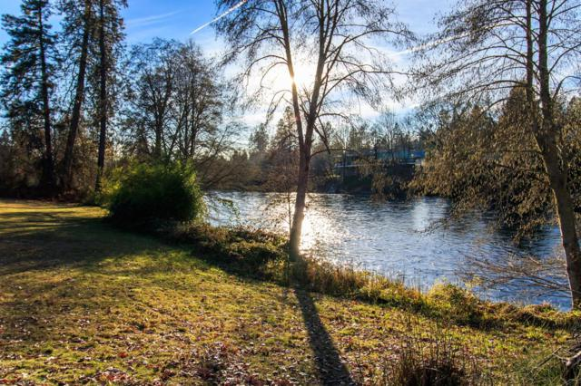 1205 Old Ferry Road, Shady Cove, OR 97539 (#2986484) :: Rocket Home Finder