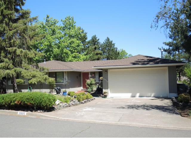 2025 Greenmeadows Drive, Ashland, OR 97520 (#2986571) :: FORD REAL ESTATE