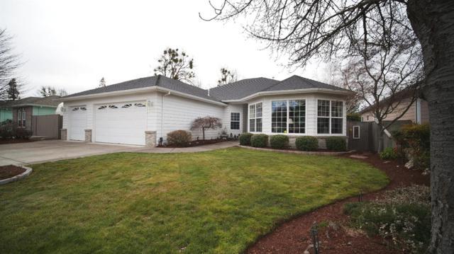 713 White Oak Avenue, Central Point, OR 97502 (#2986705) :: Rocket Home Finder