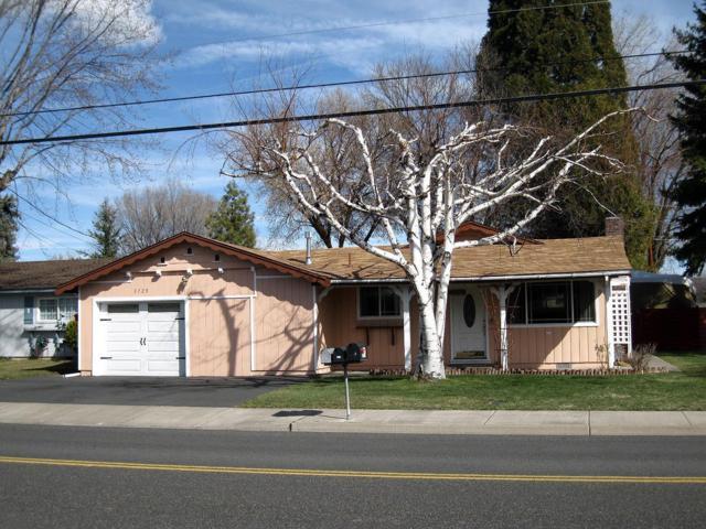 3725 Madison Street, Klamath Falls, OR 97603 (#2986853) :: Rocket Home Finder