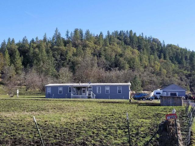 7500 Torrey Pines Terrace, Eagle Point, OR 97524 (#2986895) :: Rocket Home Finder