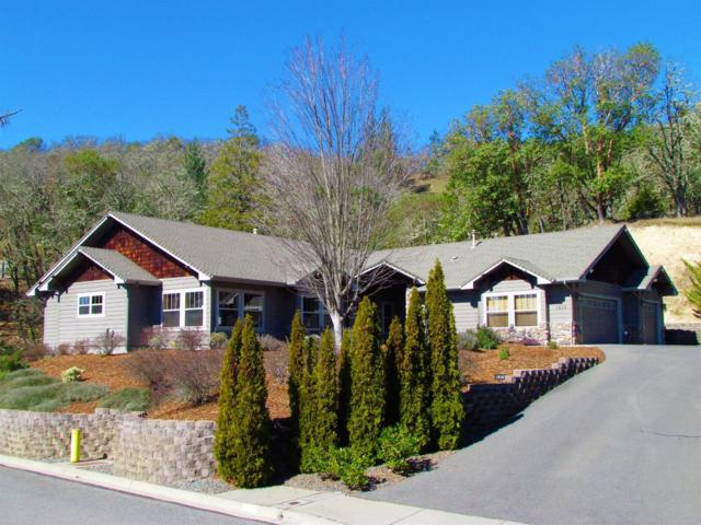1858 NW Sun View Place, Grants Pass, OR 97526 (#2986908) :: Rocket Home Finder