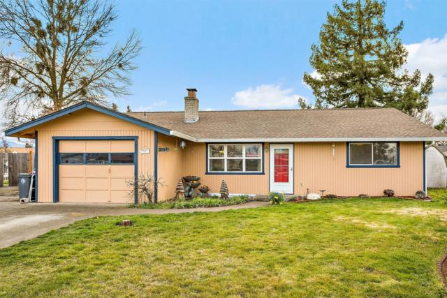 250 Cheyenne Street, Medford, OR 97501 (#2986910) :: Rocket Home Finder