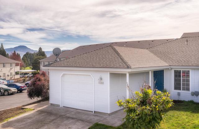 1088 Sunrise Way, Central Point, OR 97502 (#2986962) :: Rocket Home Finder