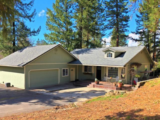7627 Lost Creek Road, Eagle Point, OR 97524 (#2986978) :: Rocket Home Finder