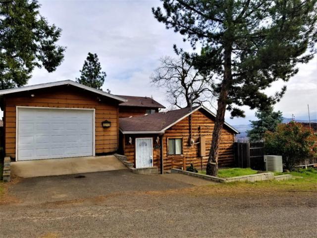 2212 Buena Vista Drive, Medford, OR 97501 (#2986992) :: Rocket Home Finder