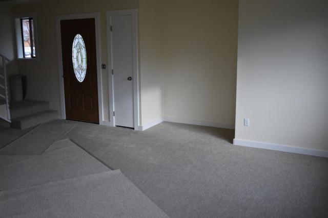633 Sarah Lane, Eagle Point, OR 97524 (#2987045) :: Rocket Home Finder
