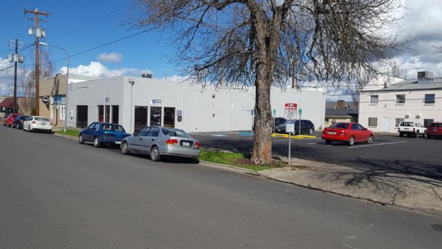315 S Front Street, Medford, OR 97501 (#2987054) :: Rocket Home Finder