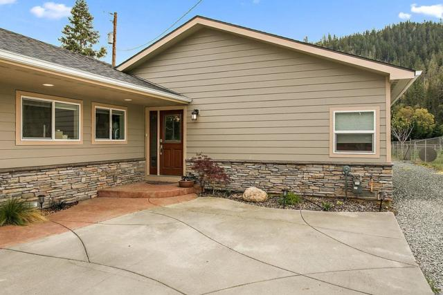 255 Rogue River Highway, Gold Hill, OR 97525 (#2988508) :: Rocket Home Finder