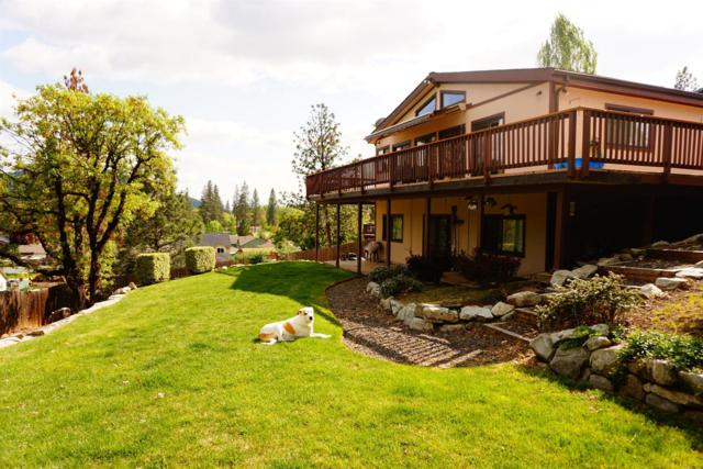 590 Kinworthy Drive, Shady Cove, OR 97539 (#2988991) :: Rocket Home Finder