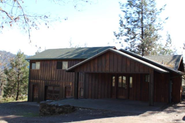 755-674 Hudspeth Lane, Shady Cove, OR 97539 (#2989077) :: Rocket Home Finder