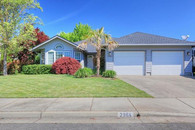 2964 Golden Aspen Drive, Grants Pass, OR 97527 (#2989095) :: Rocket Home Finder