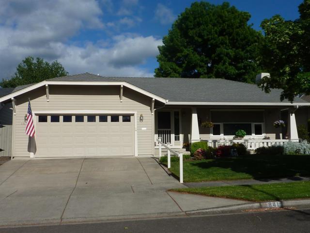 841 Sherbrook Avenue, Medford, OR 97504 (#2989410) :: Rocket Home Finder