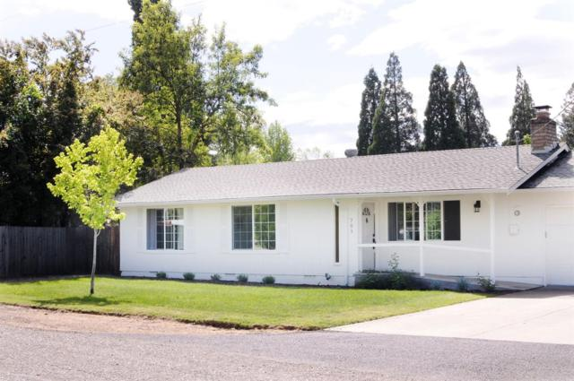 701 Widean Lane, Jacksonville, OR 97530 (#2989607) :: Rocket Home Finder