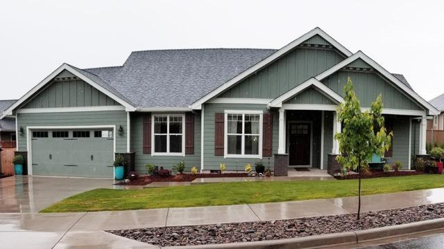 307 Avalon Terrace, Eagle Point, OR 97524 (#2989625) :: Rocket Home Finder