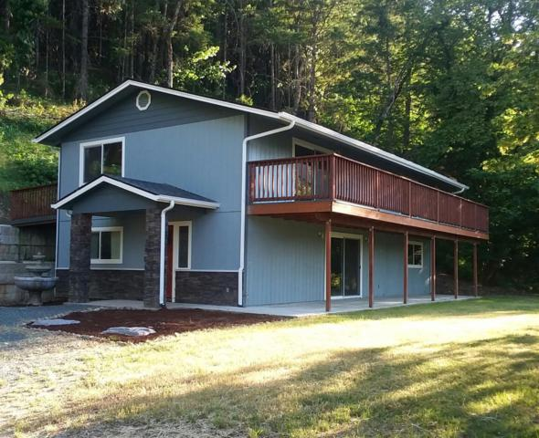 8942 Williams Highway, Grants Pass, OR 97527 (#2989870) :: FORD REAL ESTATE