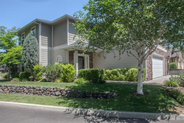 880 Virginia Drive, Central Point, OR 97502 (#2989962) :: FORD REAL ESTATE