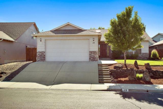 19 Woodcrest Circle, Eagle Point, OR 97524 (#2990325) :: Rocket Home Finder