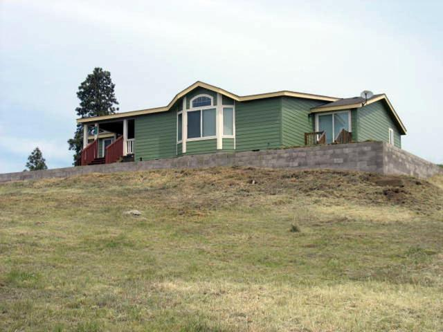34035 Cloutier Drive, Chiloquin, OR 97624 (#2990573) :: Rocket Home Finder