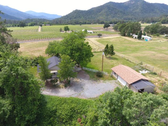 832 Kubli Road, Grants Pass, OR 97527 (#2990735) :: FORD REAL ESTATE