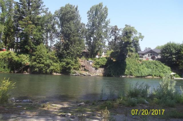 2366 Rogue River Highway, Grants Pass, OR 97527 (#2990986) :: FORD REAL ESTATE