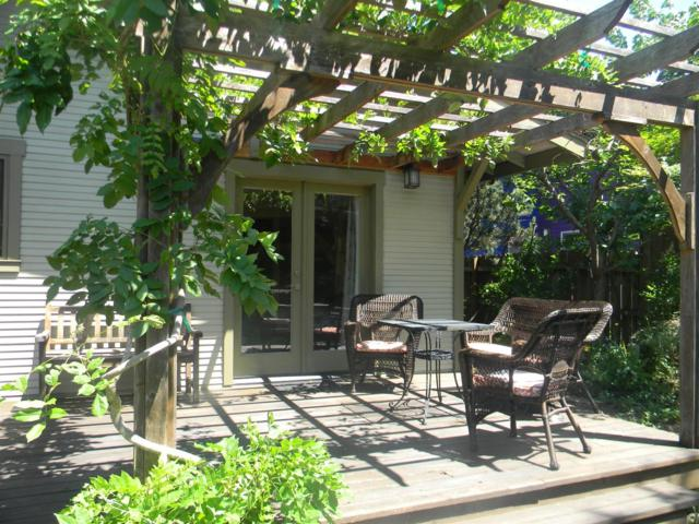 285 Liberty Street, Ashland, OR 97520 (#2991020) :: FORD REAL ESTATE