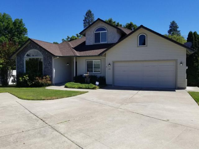 1211 SW Ironwood Drive, Grants Pass, OR 97526 (#2991094) :: FORD REAL ESTATE