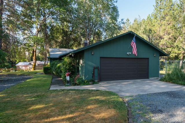 8133 East Evans Creek Road, Rogue River, OR 97537 (#2991244) :: Rocket Home Finder