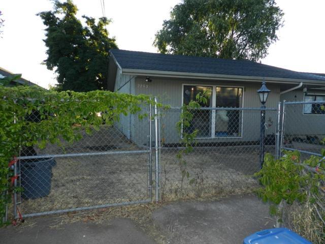 2753 Connell Avenue, Medford, OR 97501 (#2991399) :: Rocket Home Finder
