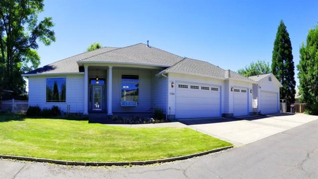 1564 Pacific Lane, Phoenix, OR 97535 (#2991500) :: Rocket Home Finder