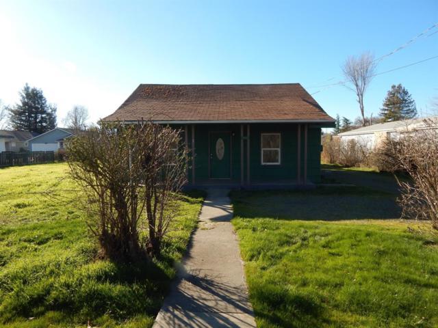 2573 Howard Avenue, Medford, OR 97501 (#2991922) :: Rocket Home Finder