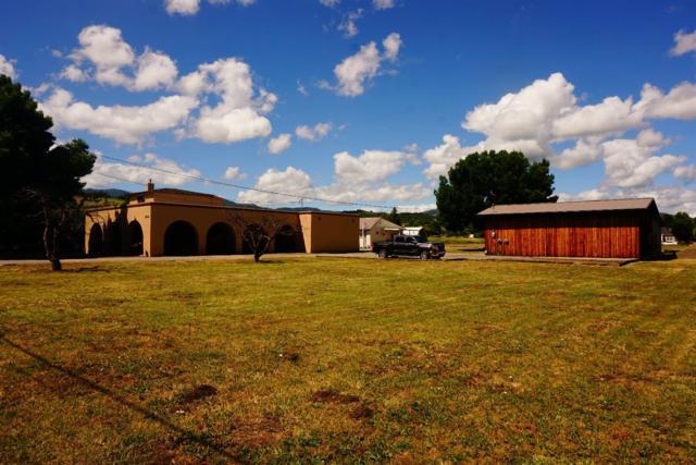 2414 Kings Highway, Medford, OR 97501 (#2991930) :: Rocket Home Finder