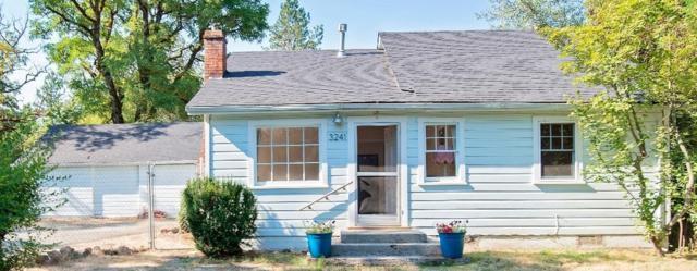 3241 Rogue River Highway, Gold Hill, OR 97525 (#2991984) :: Rocket Home Finder