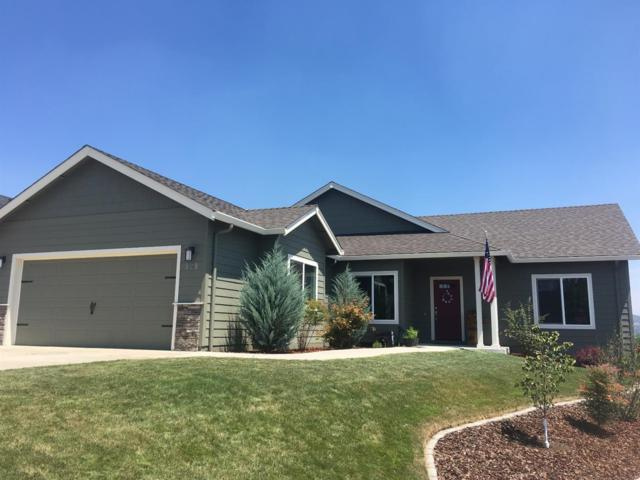 929 Crystal Drive, Eagle Point, OR 97524 (#2992159) :: FORD REAL ESTATE